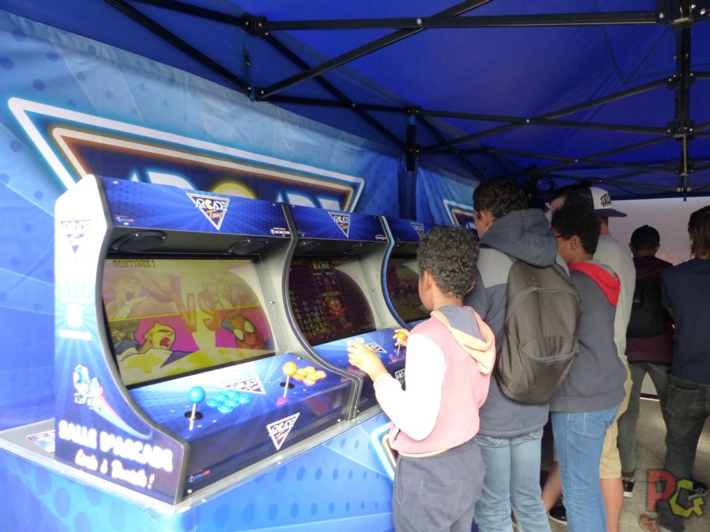 Hero Festival Saison 5 - intérieur d'une salle d'arcade